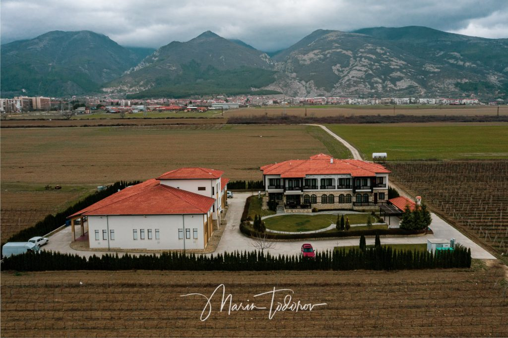 Къща за гости Трагата - снимка с дрон