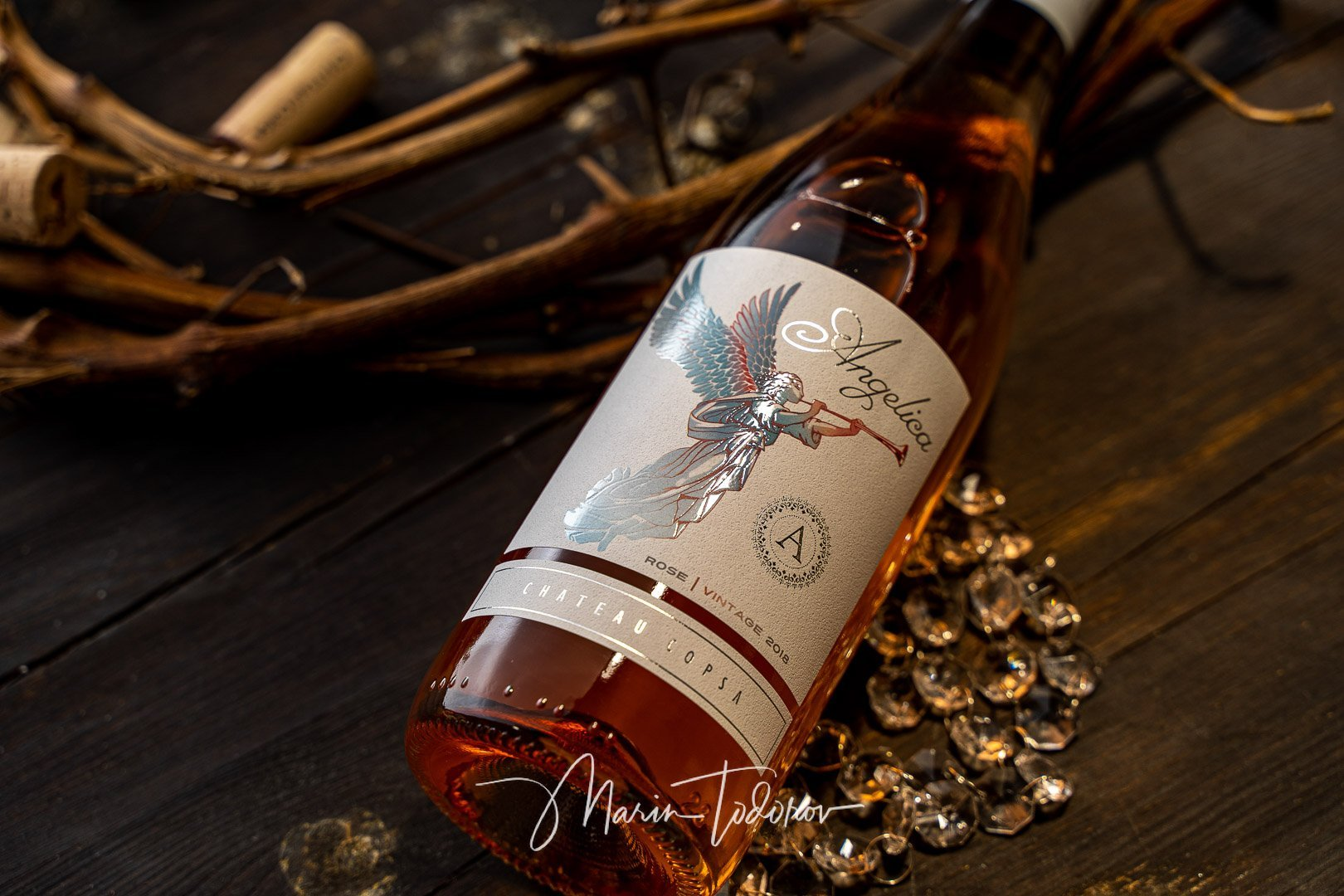 Angelica - wine Chateau Copsa product photography